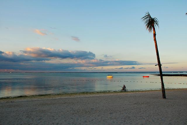 plage calme à l'ile maurice