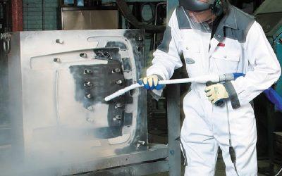 Comment nettoyer efficacement les espaces de travail dans le secteur industriel ?