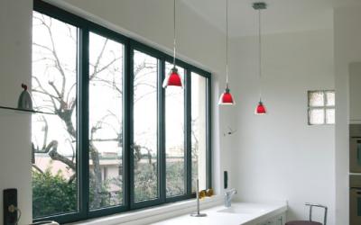 Fenêtre aluminium et architecture moderne : le duo gagnant